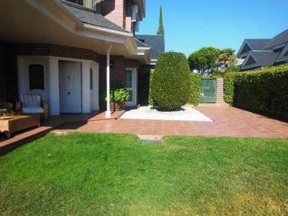 442m² Haus / Villa zum Verkauf in Las Rozas, Madrid