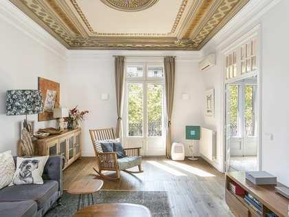 Piso de 130m² con terraza en alquiler en Eixample Derecho