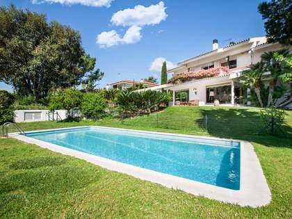 500 m² villa for sale in Can Teixido, Alella