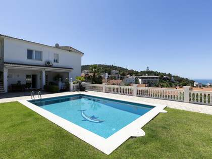 300 m² villa for sale in Quint Mar, Sitges