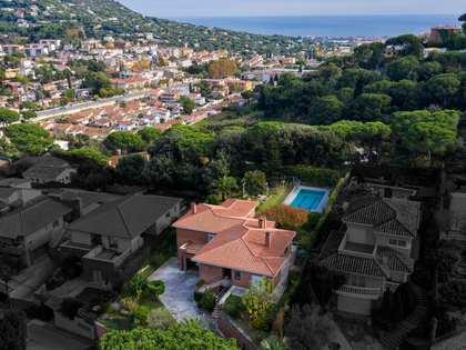 Huis / Villa van 550m² te koop in Cabrils, Barcelona