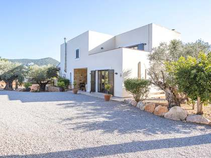 800 m² villa for sale in Santa Eulalia, Ibiza