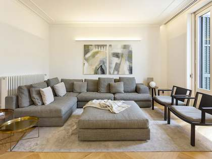 Apartment with 12 m² terrace for sale in Eixample Right