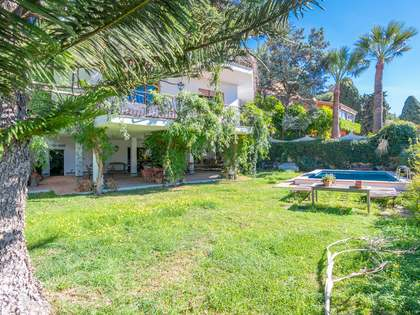 Huis / Villa van 569m² te koop in East Málaga, Malaga