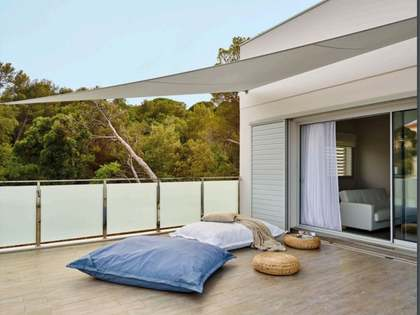 1,000m² House / Villa with 777,440m² garden for sale in La Pineda