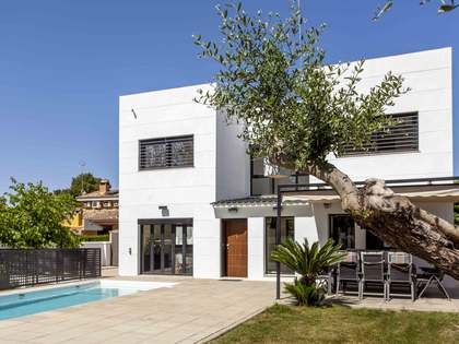 Modern villa for rent in La Eliana, Valencia
