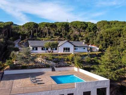 Ruitersport vastgoed van 206m² te koop met 3,700m² Tuin in Sant Andreu de Llavaneres