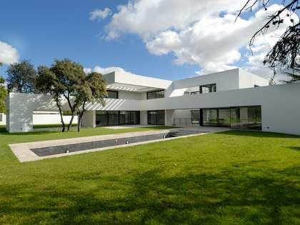 Casa / Villa di 1,014m² in vendita a Aravaca, Madrid