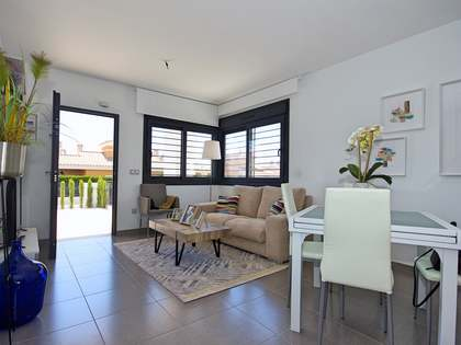 69m² House / Villa with 107m² garden for sale in Playa San Juan