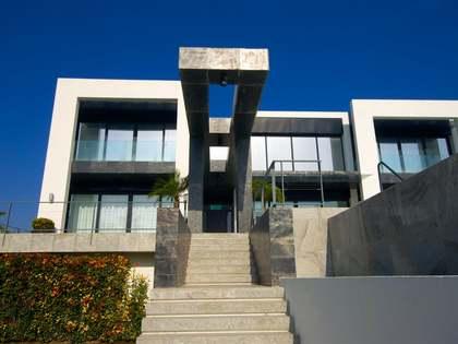 """""""Villa Blanca"""" en venta en Arqueros, Benahavís, Marbella"""