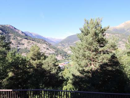 340m² House / Villa with 15m² terrace for sale in Ordino
