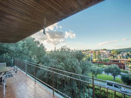 Spacious apartment for sale in centre of Begur