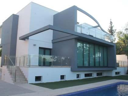 Дом / Вилла 750m² аренда в Годелья / Рокафорт, Валенсия