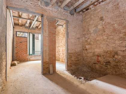 3-bedroom apartment with garden for sale in Sarrià