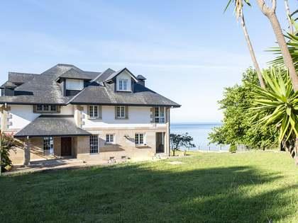 Casa de 777 m² en venta en Pontevedra, Galicia