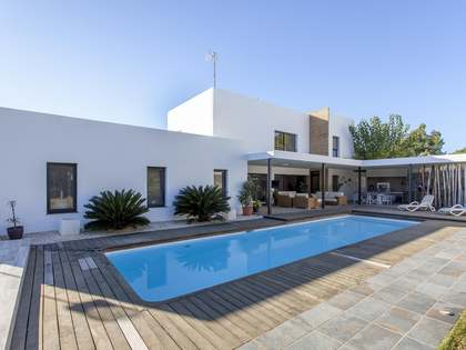 371m² House / Villa for rent in Bétera, Valencia