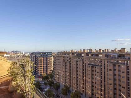 Penthouse van 211m² te huur met 118m² terras in Ciudad de las Ciencias