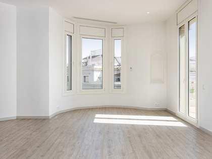 Àtic de 110m² en lloguer a Eixample Dret, Barcelona