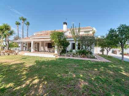 200m² Haus / Villa mit 621m² garten zur Miete in Playa Sagunto