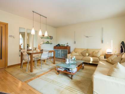 174m² Apartment with 40m² terrace for sale in Esplugues