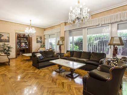 Appartement van 500m² te koop met 137m² Tuin in Turó Park