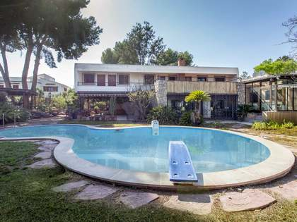 Huis / Villa van 444m² te koop met 115m² terras in Godella / Rocafort
