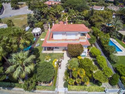Villa de 560 m², en venta en Alella, Maresme