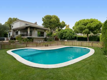 270m² House / Villa for sale in Vallpineda, Barcelona