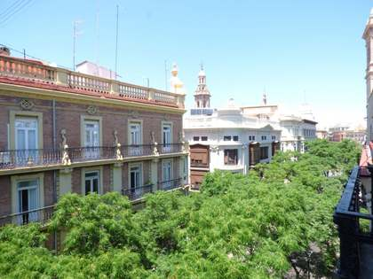 Property to renovate for sale in Valencia's historic centre