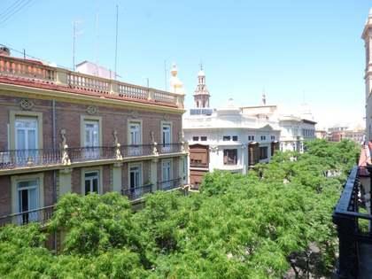 Property to renovate for sale in Valencia's historic centre