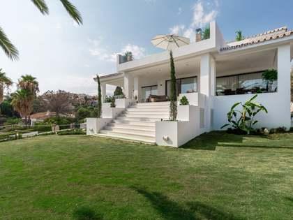 Huis / Villa van 495m² te koop met 149m² terras in Nueva Andalucía