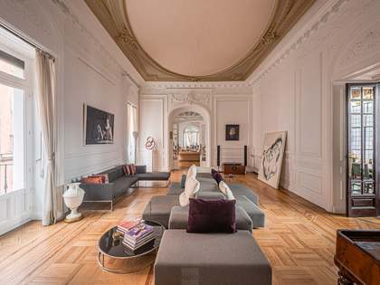 564m² Apartment for sale in Palacio, Madrid