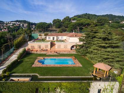 779m² House / Villa for sale in Alella, Maresme