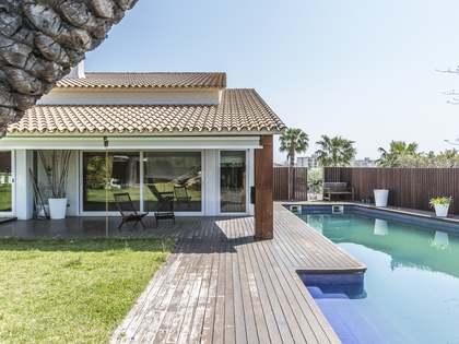 Maison / Villa de 537m² a vendre à Calafell, Vilanova