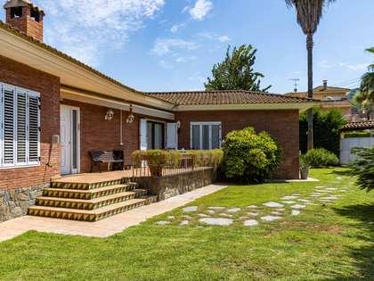 Casa de 350 m² con 675 m² de jardín en venta en Argentona