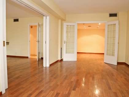 在 El Pla del Real, 瓦伦西亚 225m² 出售 房子