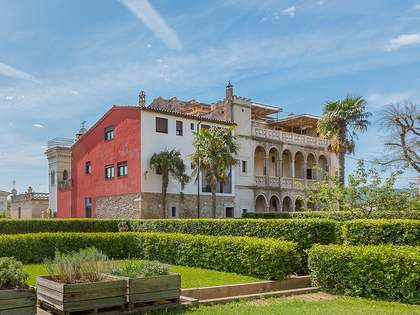 Colonial-style Girona property to buy
