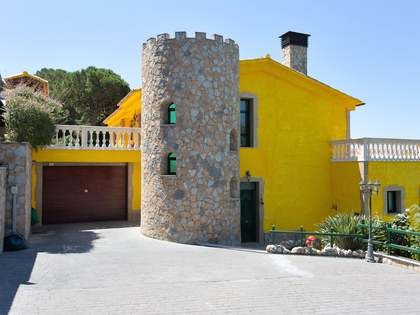 Luxury villa to buy in Cabrils, Maresme Coast