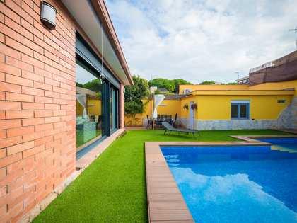 Huis / Villa van 150m² te koop in Castelldefels, Barcelona
