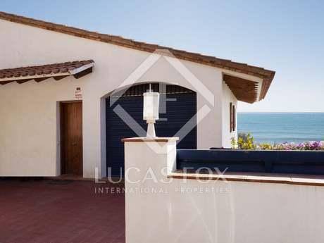 Casa mediterránea de 4 dormitorios, en venta en Levantina