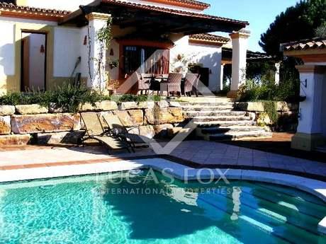 Spacious 4 bedroom villa for sale in Sotogrande, Andalucia