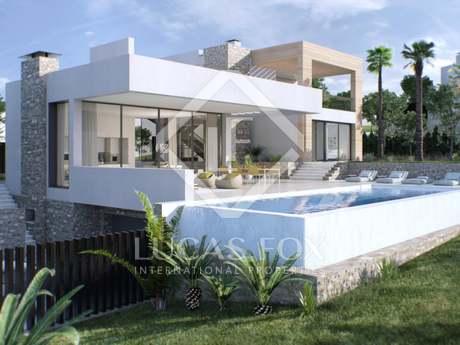 4-bedroom luxury villa for sale in Nueva Andalucia