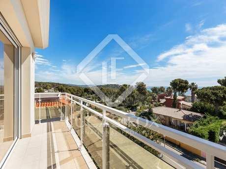 Дом / Вилла 370m² на продажу в Плайя де Аро, Коста Брава