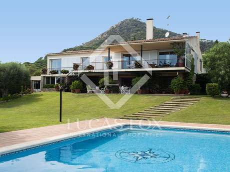 Detached villa for sale in Cabrera de Mar, near Barcelona