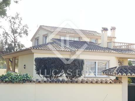 Magnificent villa with pool for sale in La Eliana