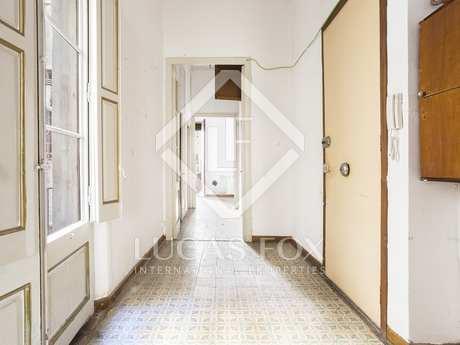 6-bedroom apartment to renovate for sale in Gótico, Barcelona