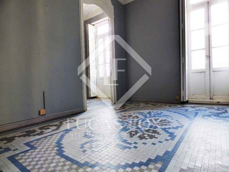 Apartamento modernista de 3 dormitorios en venta, Valencia