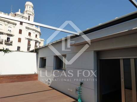 New apartment with garage for sale in Valencia centre