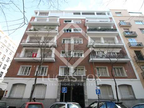 5-bedroom apartment to buy and renovate in Almagro