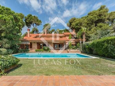 Unique house to buy in the prestigious Torre Valentina area